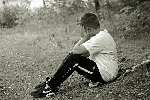 boy-child-sad-alone-158305